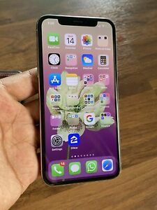 Apple iPhone X - 64GB - Silver (Unlocked) A1901 (GSM) iOS 13.4.1