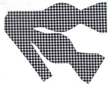 "Houndstooth Bow tie / Black and White 1/3"" Houndstooth / Self-tie Bow tie"