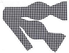 "Black & White Bow tie / Black & White 1/3"" Houndstooth / Self-tie Bow tie"