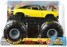 HOT WHEELS MONSTER JAM TRUCK 1:24 LARGE SIZE BNIB DODGE CHARGER R/T GIANT WHEELS