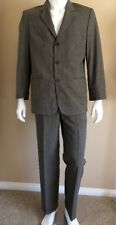 """Claiborne GRAY 3 Button Polyester Business Career Suit Mens 40S 30"""" x 30"""" NEW"""
