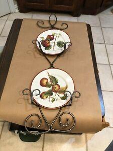 2 PLATE VERTICAL WALL DISPLAY HANGER HOLDER Metal Pewter Color / Decorative