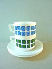 2 tasses et sous tasses arcopal, décor carreaux, vintage des années 70