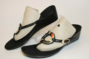 Vionic Womens Size 10 42 Leather Medallion Thongs Flat Comfort Shoes TVW4917