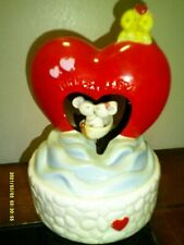 Enesco Musical & Movement Tunnel Of Love Kissing Mice Going Through Red Heart