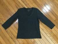 Chicos Women's Gray V neck 3/4 sleeve Top Blouse Size 0