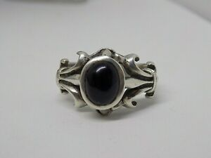LARGE CHUNKY SOLID 925 SILVER BLACK GEMSTONE SOLITAIRE RING. SIZE V. 10 GRAMS.