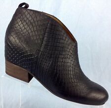 9103bcc41c12 Matiko Snake Embossed Black Leather Booties Ankle Boots Shoes 39 Womens 7