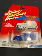 JOHNNY LIGHTNING '33 WILLYS PANEL VAN WOODYS & PANELS 1:64 SCALE