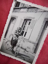 PHOTOGRAPHIE ANCIENNE ,jeune fille à Vélo bicyclette , photo old french bicycle