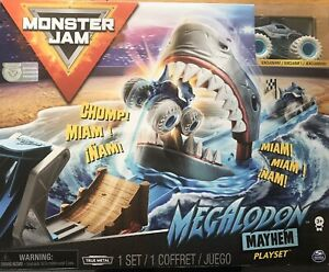 Monster Jam Megaladon Mayhem Truck Stunt Playset 1:64 Scale