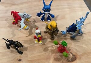 2000/2001 Digimon figures Lot: Hawkmon, Halsemon, Jagerloweemon and more