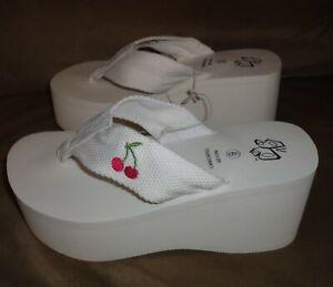 New NWT Women's White Platform Cherries/Cherry Flip Flops/Sandals Size 9 FREE SH