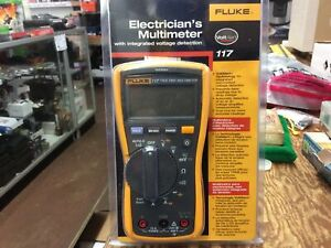 Fluke 117 Digital Multimeter with Intergrated Voltage Detection