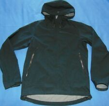 NWOT  MEN'S  PEAK PERFORMANCE  DRIZ  HOODED JACKET  SMALL  $230