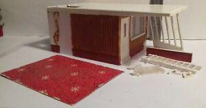 1960s Corgi Toys CORGI KITS 611 1/43 Motel Chalet started/incomplete/damaged
