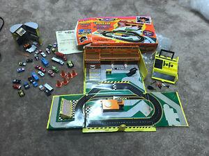 Vtg Micro Machines Lot Richard Petty Speedway Motor Oil Lube Shop Pit Kit 25 Car