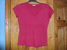 RED COTTON T-SHIRT. SIZE 12.  EX CON