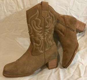 Marks&Spencer Beige Mid Calf Suede Boots Size 4 (681Q)