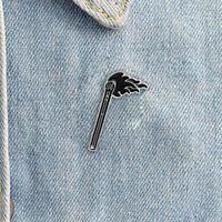 Esmalte Negro Llama Broche Alfiler Camisa Collar Insignias Pasador Joyas RegaQA