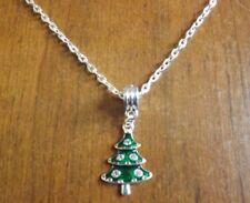 collier chaîne argenté 47,5 cm avec pendentif sapin vert strass 25x18 mm