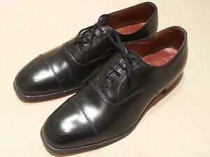 Church Shoes - Whipflex range  - WIGMORE - 8 - SMARTEST BLACK LACE UPS - RARE !