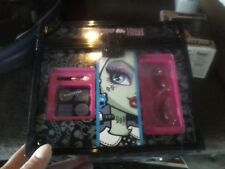 Monster High Special Edition Make-Up Cube ; Draculaura, Cleo, Abby & Frankie...