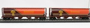 2 Bachmann HO Scale Cylindrical 4-Bay Grain Hopper Saskatchewan Grain Cars Corp