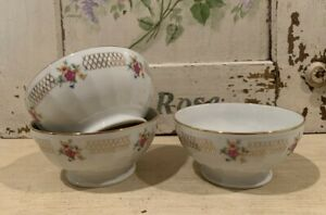 ONE Vintage French Cafe Au Lait Bowl White w/Pink Yellow Flowers & Gold Design