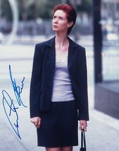 Cynthia Nixon signed Sex In The City 2001 signing details 10 x 8 photo AFTAL 199