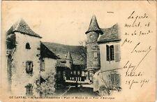 CPA   Le Cantal - St-Martin-Valmeroux - Place et Maison de la Tour ...(435912)