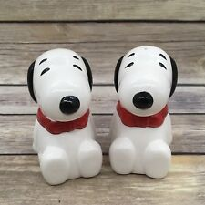 Benjamin & Medwin 1993 Peanuts Snoopy Ceramic Salt & Pepper Shakers Set
