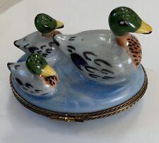 Limoges France Duck 2 Babies Swimming Trinket Box H/P Peint Main Artist Signed