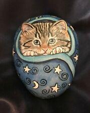 ORIGINAL HAND PAINTED RIVER 'ROCK ART' * TABBY KITTEN CAT * GORGEOUS REALISTIC