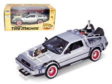 """DELOREAN """"BACK TO THE FUTURE 3"""" 1:24 DIECAST MODEL CAR BY WELLY 22444"""