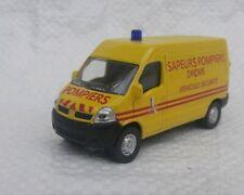 Norev 3 inches 1/60 . Renault Master Pompier 2004.