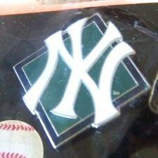 New York Yankees NY logo green diamond silver tone lapel pin MLB c36874