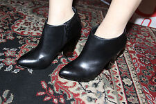 GUESS BY MARCIANO DORA-EU ANKLE BOOTIE SIZE 7M