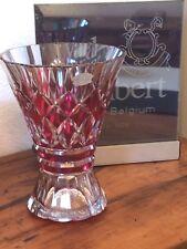 VAL SAINT-LAMBERT - Imposant vase taillé et doublé canneberge - signé