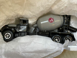 First Gear 19-0016 Mack R-Model Cement Mixer Black 1:34 Scale