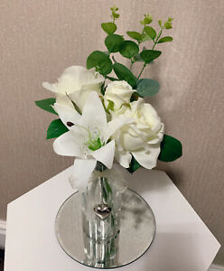 Artificial White Flowers Arrangements In Heart Charm Glass Vase