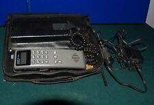 VINTAGE MOTOROLA OMEGA SERIES BAG PHONE COMPLETE AND IT POWERS UP