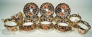12 Vintage 1931-40 Royal Crown Derby Traditional Imari Pattern Cups & Saucers