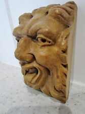 pièce de parement-bois sculpté dans la masse-diable-démon-malin-devil-