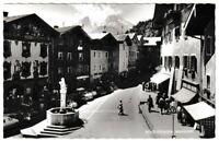 Ansichtskarte Berchtesgaden - Marktplatz mit Passanten/Autos - schwarz/weiß