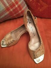 Peter Kaiser Gold Evening Shoes Size 5.5 Excellent Condition