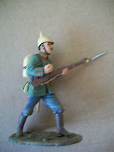 AS NEW KING & COUNTRY RETIRED WW1 GERMAN INFANTRY MAN ADVANCING   Lot 1