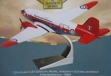 Corgi Douglas C47 Dakota Royal Aircraft Establishment Farnborough Die-Cast 1:144