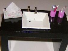1:12 Badezimmerset rosa (Tücherbox,Zahnputzbecher, Seifenspender) f.d.Puppenst.