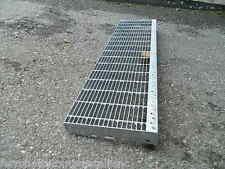 gradino in ferro zincato per scale sicurezza esterno gradino grigliato 120 cm